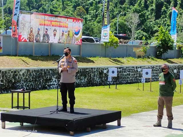 Gubernur Ikut Lomba Menembak Dansat Brimob Polda Papua Barat