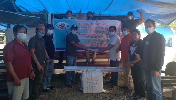 PMTI dan IKT Papua Barat Salurkan Bantuan Korban Gempa Mamuju