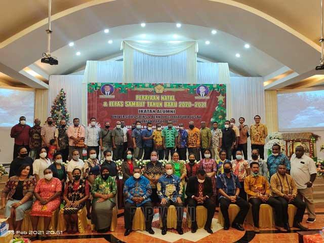 Ikatan Alumni USTJ Papua Barat Berbagi Kasih di Tahun Baru