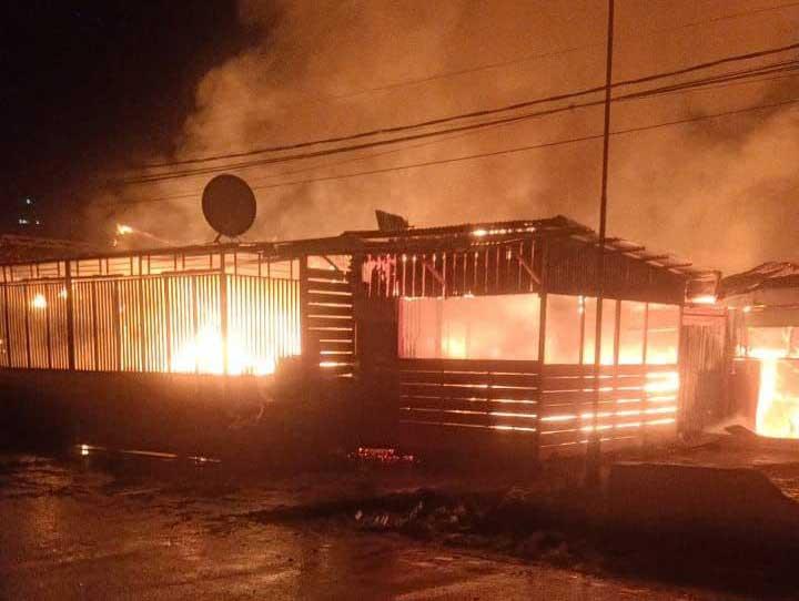 Kebakaran Landa Pasar Wosi