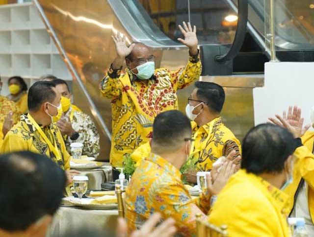 Airlangga Perkenalkan Lambert Jitmau di Peresmian Kantor DPP Golkar