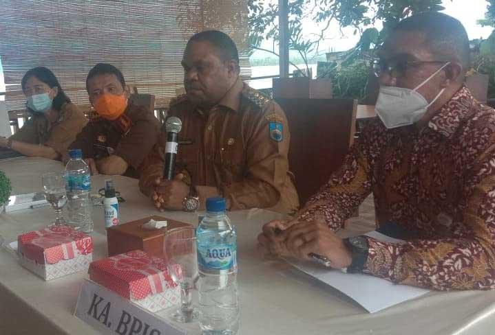 Bupati Manokwari, Hermus Indou, BPJS Kesehatan,