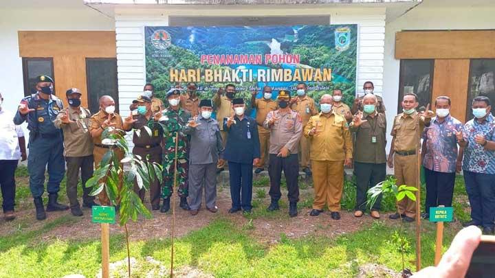 Peringati Hari Bakti Rimbawan, Pemprov Papua Barat Tanam 200 Pohon