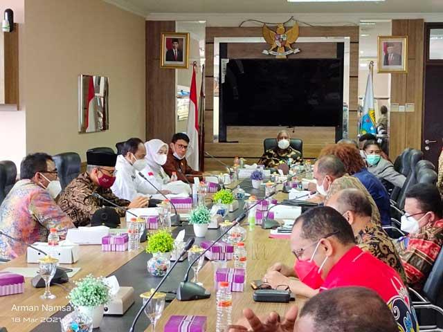 Komite I DPD RI dan Pemprov Papua Barat Sepakat Usulkan Kewenangan Otsus Diperluas