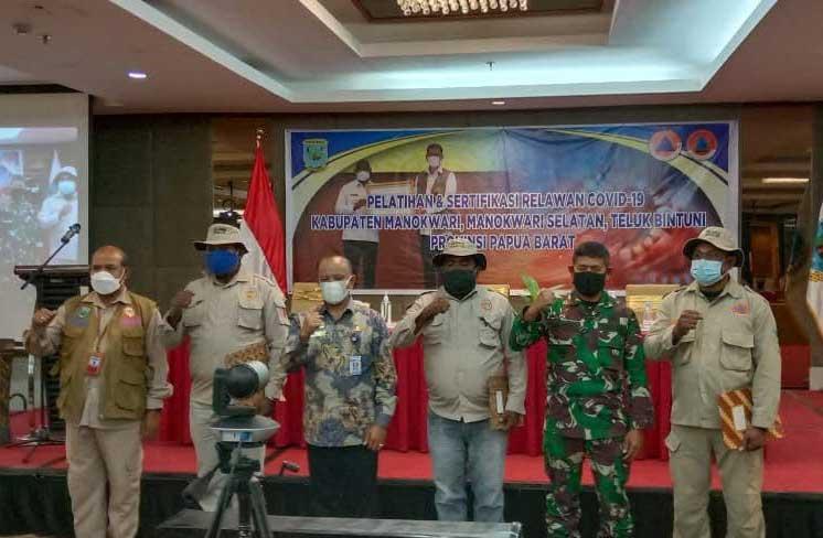 Gubernur Papua Barat Ingatkan Peran Penting Relawan Covid-19
