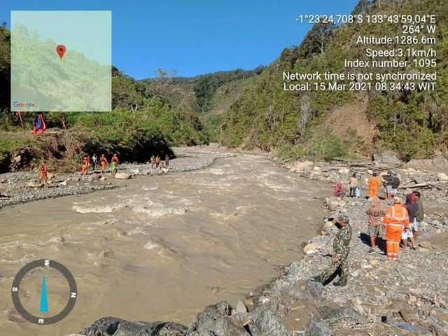 SAR Manokwari Cari Orang Hanyut di Sungai Didohu