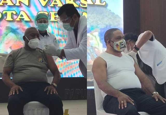 Gubernur Papua Barat dan Bupati Manokwari Vaksinasi Covid-19