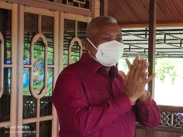 Gubernur Bantu Bangun Asrama Warga Kebar di Manokwari