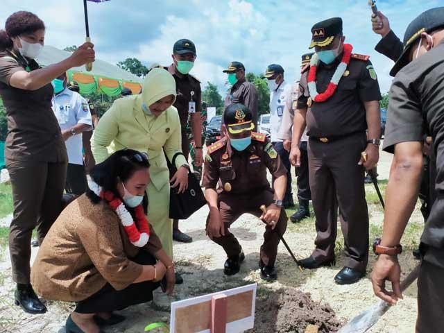 Kajati Papua Barat Ingatkan Koordinasi Kejari Kaimana Dengan Seluruh Pihak