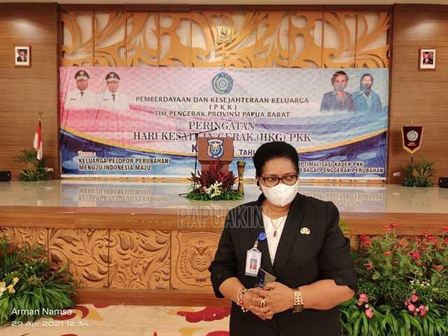 BKKBN Salurkan Bantuan Terkait HKG PKK ke 49 Papua Barat