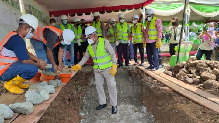 Gubernur Papua Barat Letakkan Batu Pertama Samsat Manokwari Selatan