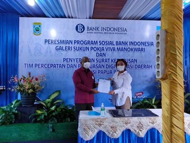 Gubernur Resmikan Galeri Sukun dan Serahkan SK TP2DD ke BI Papua Barat