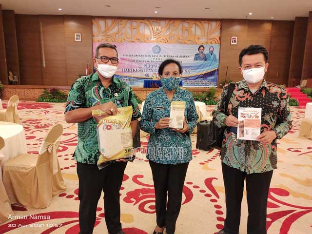 Dua Dinas Bantu Beras Kaya Gizi Cegah Stunting di HKG PKK Papua Barat