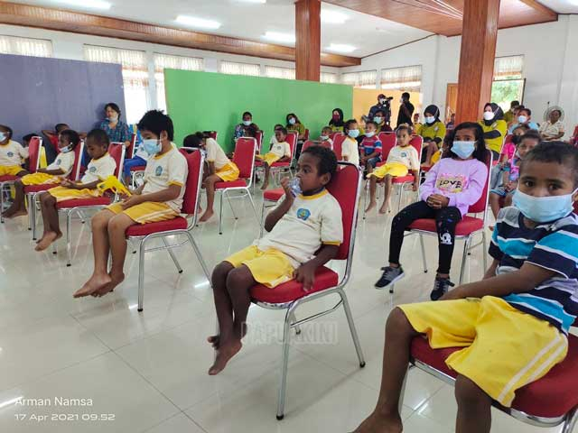 Anak-anak PAUD Debora Diajarkan Sikat Gigi dan Protokol Kesehatan