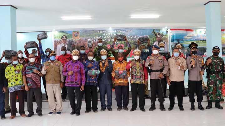 Gubernur Papua Barat Salurkan 3396 Paket Bantuan Bahan Pokok Pegunungan Arfak