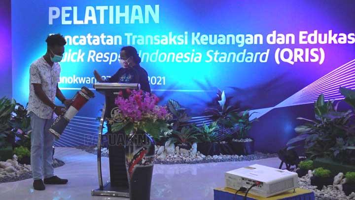 Ketua Dekranasda Papua Barat Imbau UMKM Pakai Transaksi Non Tunai