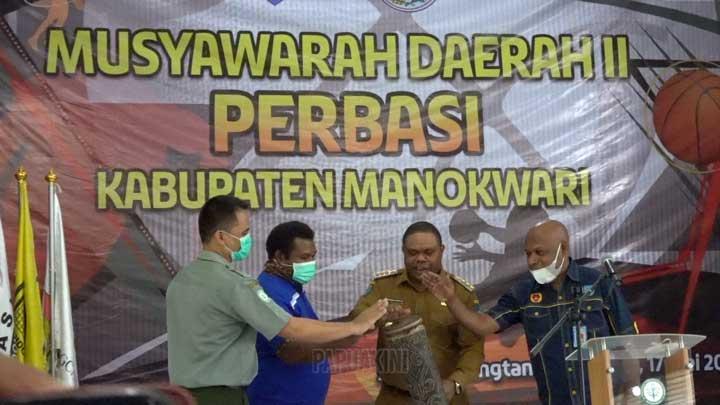 Dua Kandidat Bersaing Jadi Ketua Perbasi Manokwari