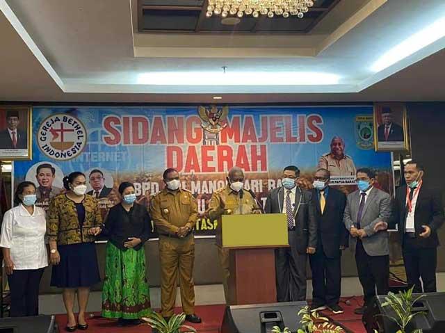 Bupati Manokwari Alokasikan 10 Persen APBD Untuk Sektor Keagamaan, Gubernur Dukung