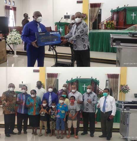 GKI Ahmeta Kenari Tinggi Dapat Bantuan Sound System Gubernur Papua Barat