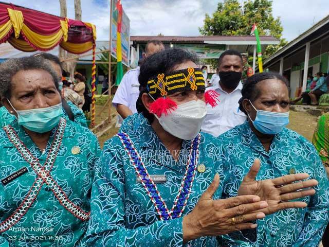 PKK Papua Barat Periksa Kanker Serviks Gratis, KB, dan PMT di Maybrat