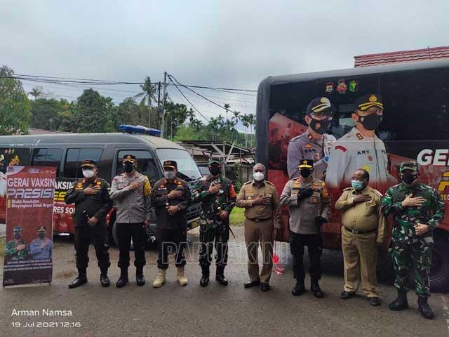 Polres Kota Sorong Operasikan Mobil Gerai Vaksin Covid-19 Keliling
