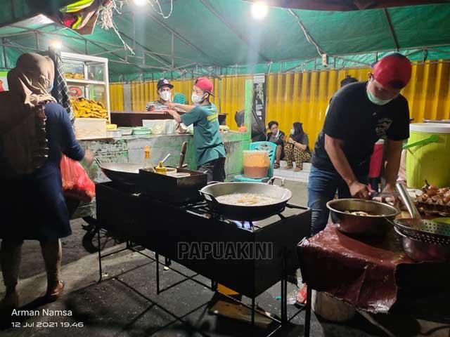 Mantap, Pedagang Makanan Manokwari Jalankan PPKM Darurat