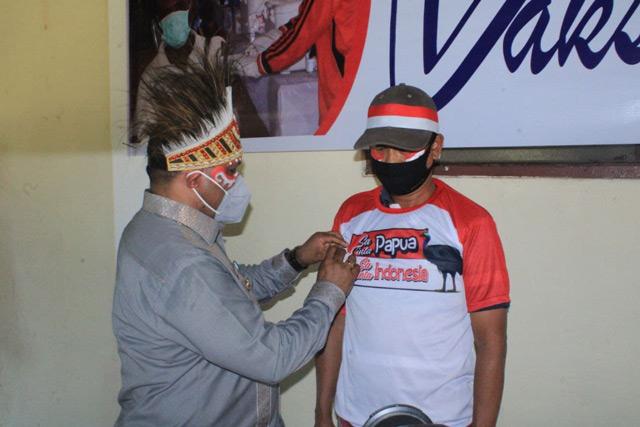 Manokwari Launching Pin dan Gebyar Merah Putih Vaksinasi Covid-19