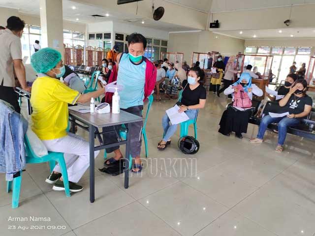 Vaksinasi Massal Pelindo IV Manokwari Target 500 Warga
