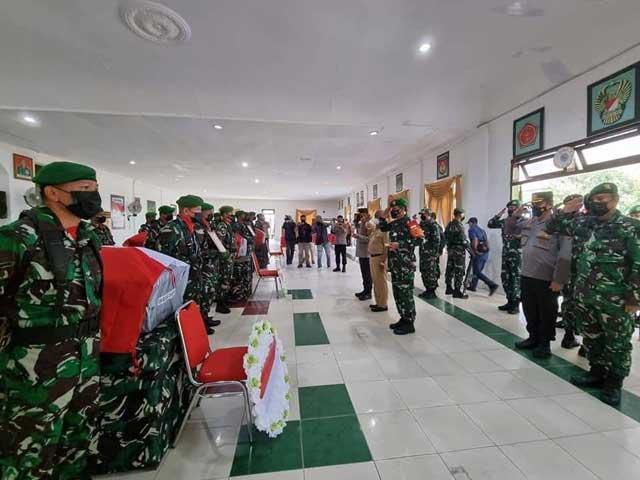 Pangdam Lepas Jenazah 4 Prajurit TNI Yang Gugur Dibunuh Kelompok Teroris di Maybrat