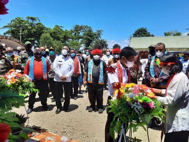 Gubernur dan Wabup Mansel Resmikan Kantor Bakal Klasis GKI Hatam