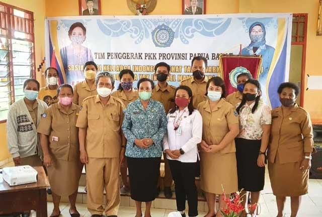 Buka Pembekalan Krisna, Ketua PKK Papua Barat Ingatkan Tubuh Bait Allah